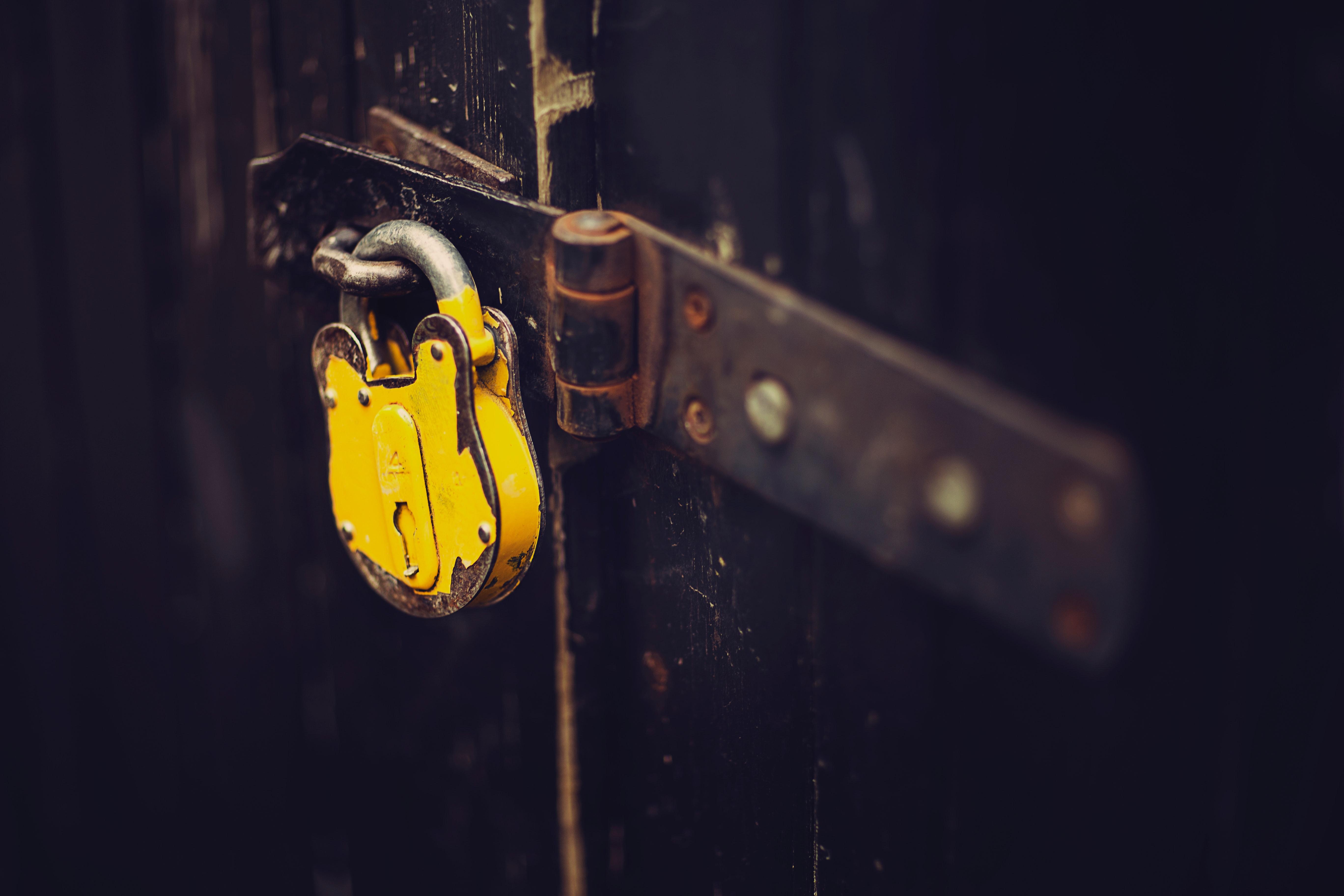 padlock-yellow