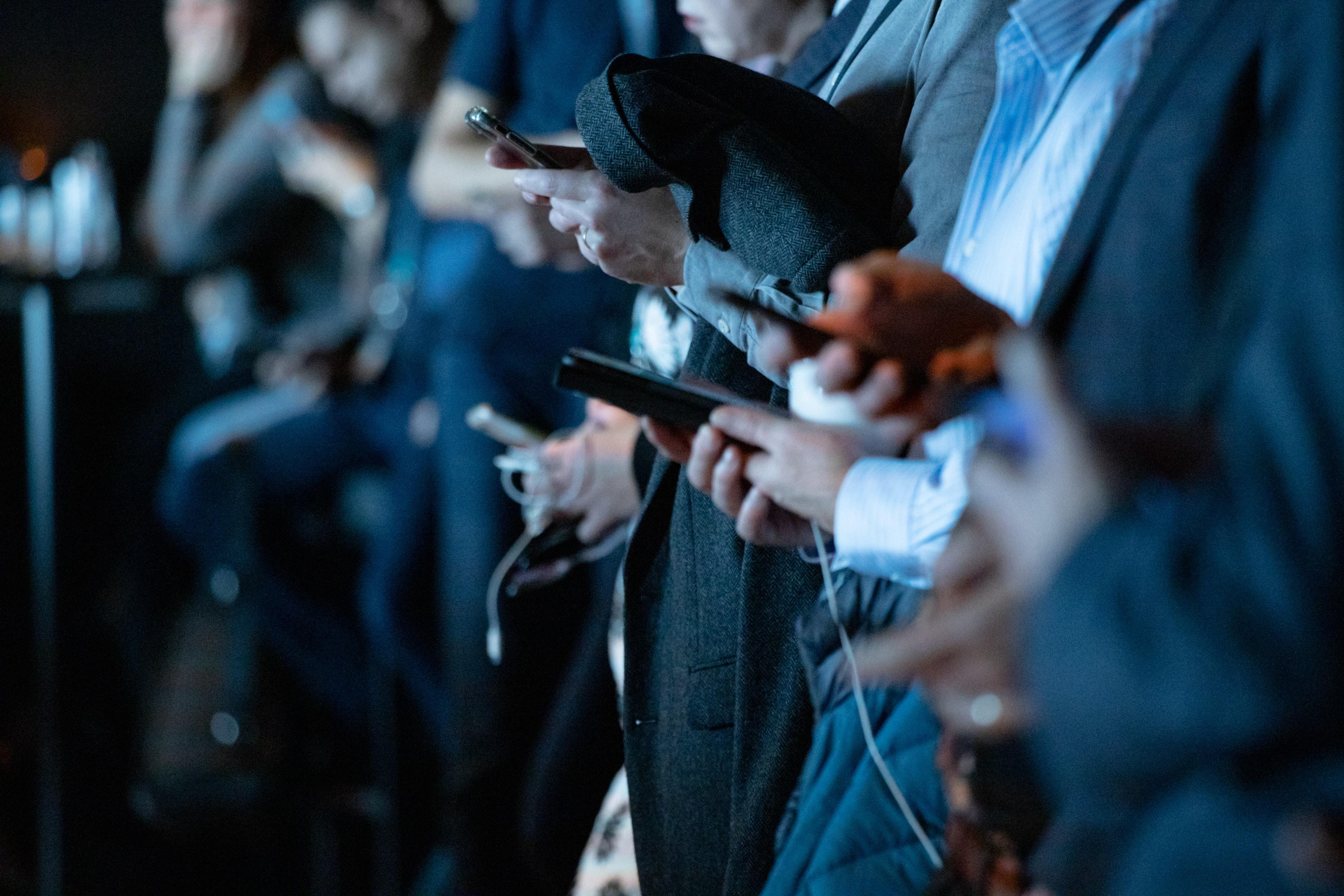 social-media-devices